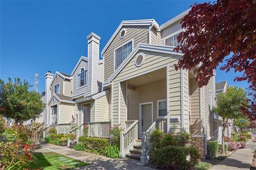 Photo of 3 Batten Lane, Redwood Shores, CA 94065 (MLS # ML81838234)