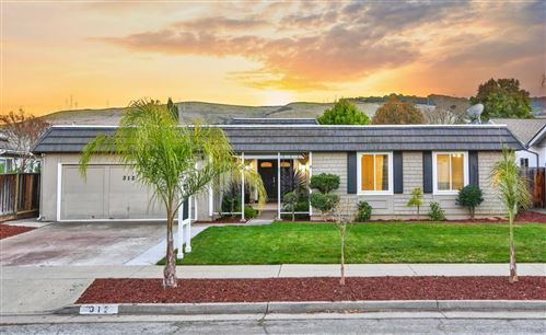 Photo of 312 Los Pinos WAY, SAN JOSE, CA 95119 (MLS # ML81828235)
