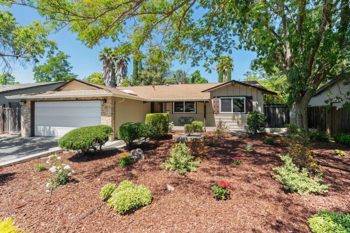 Photo for 613 Ginden Drive, CAMPBELL, CA 95008 (MLS # ML81847236)