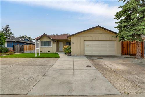 Photo of 1658 Blossom Hill RD, SAN JOSE, CA 95124 (MLS # ML81807241)