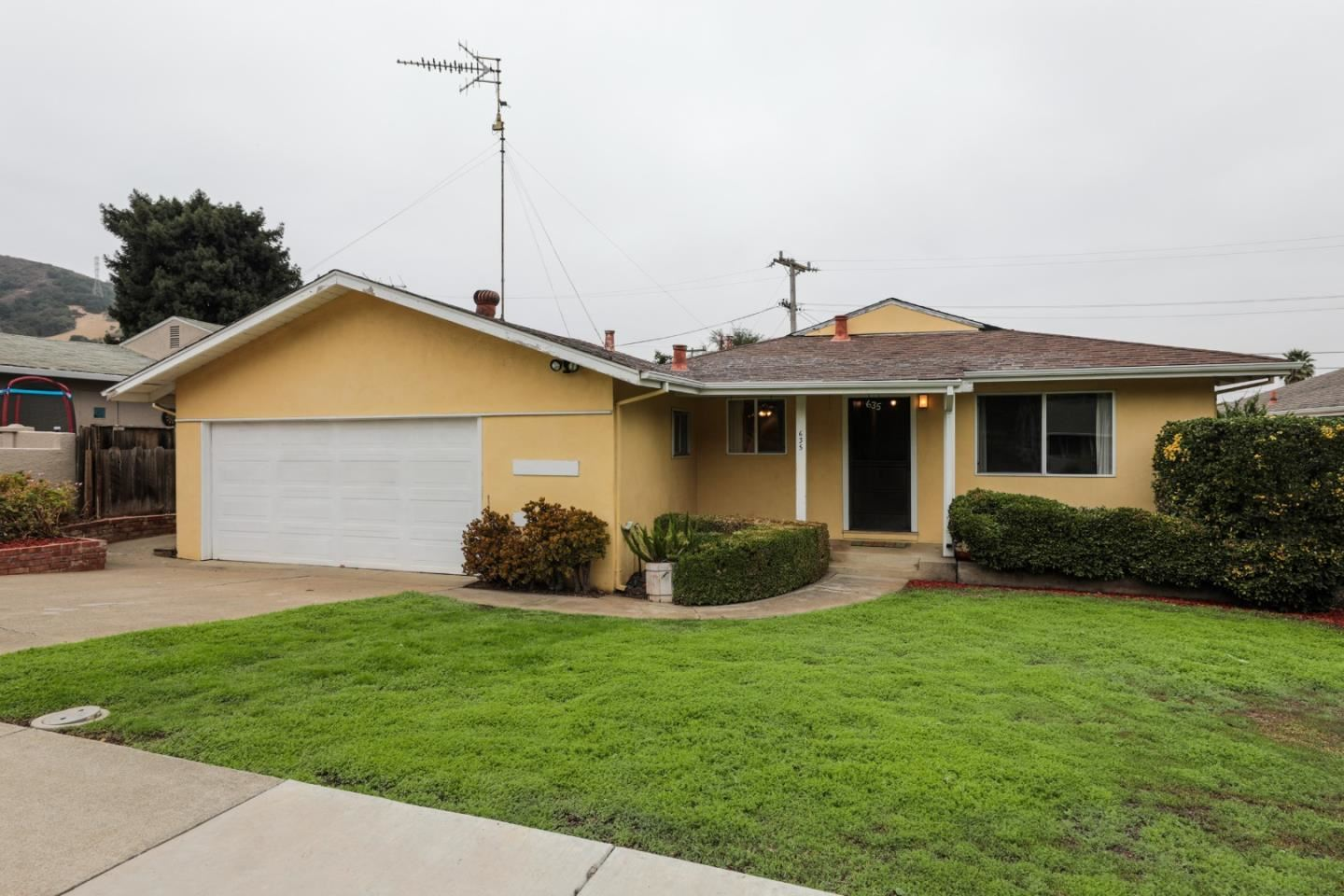 Photo for 635 W Dunne AVE, MORGAN HILL, CA 95037 (MLS # ML81814245)
