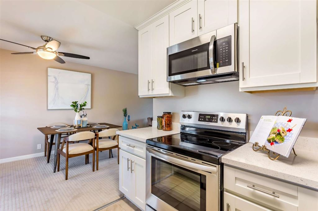 Photo for 1375 Phelps AVE 11 #11, SAN JOSE, CA 95117 (MLS # ML81755246)