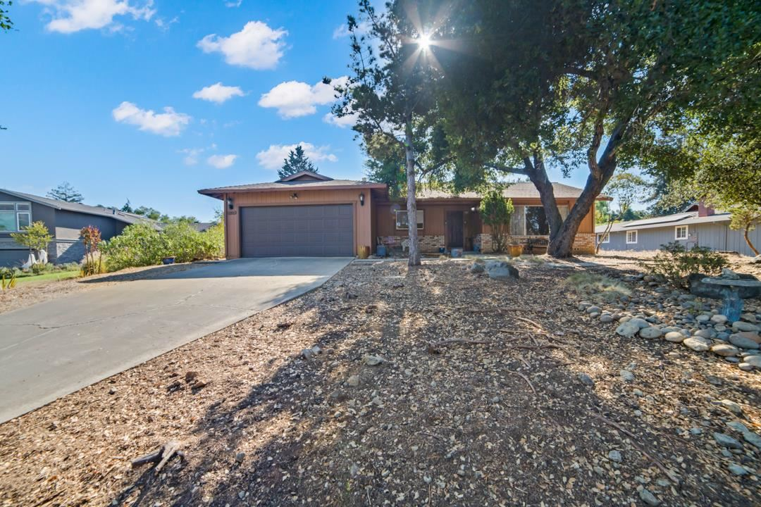 Photo for 17221 Lakeview DR, MORGAN HILL, CA 95037 (MLS # ML81814247)
