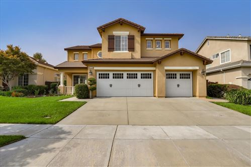 Photo of 1531 Peregrine DR, GILROY, CA 95020 (MLS # ML81811250)
