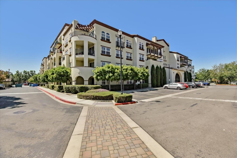 Photo for 800 South Abel Street #313, MILPITAS, CA 95035 (MLS # ML81854250)