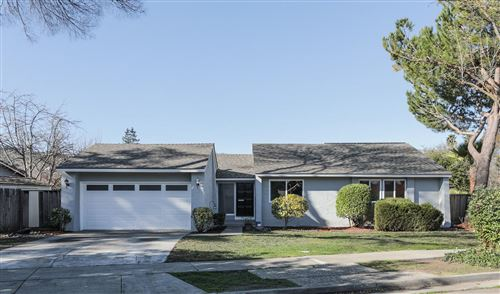 Photo of 304 Los Pinos WAY, SAN JOSE, CA 95119 (MLS # ML81781251)