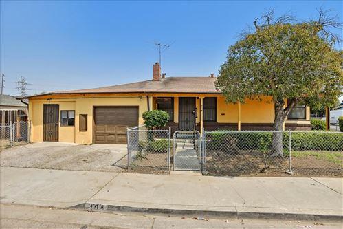 Photo of 404 Daisy Lane, EAST PALO ALTO, CA 94303 (MLS # ML81861252)