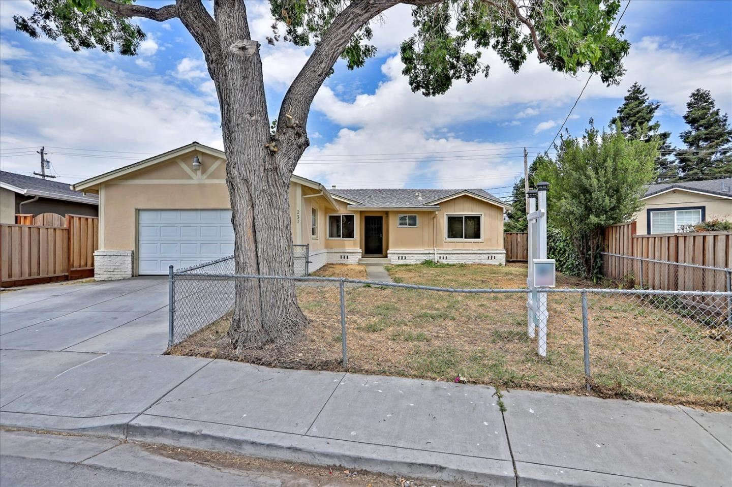 Photo for 231 Norwich Avenue, MILPITAS, CA 95035 (MLS # ML81854253)