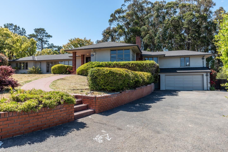Photo for 860 Longview Road, HILLSBOROUGH, CA 94010 (MLS # ML81846255)