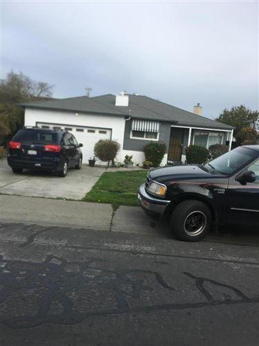 Photo of 1219 Camellia DR, EAST PALO ALTO, CA 94303 (MLS # ML81830258)