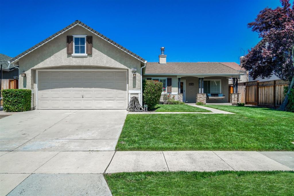 Photo for 1331 Peregrine DR, GILROY, CA 95020 (MLS # ML81763266)