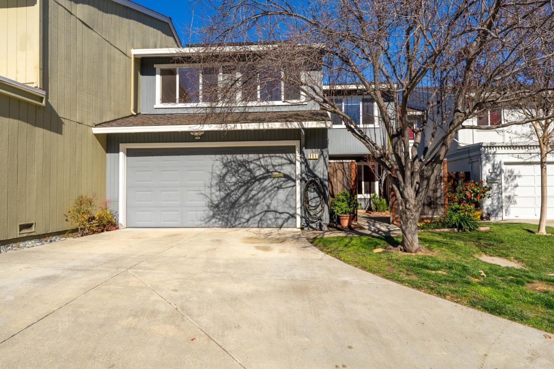 Photo for 211 Elm Wood CT, LOS GATOS, CA 95032 (MLS # ML81829267)