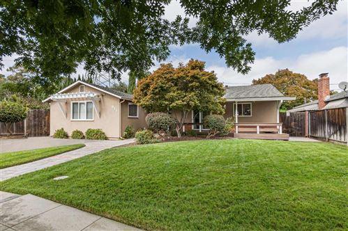 Photo of 915 Mockingbird LN, SUNNYVALE, CA 94087 (MLS # ML81811270)