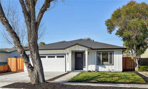 Photo of 2612 Meadowbrook DR, SANTA CLARA, CA 95051 (MLS # ML81830270)