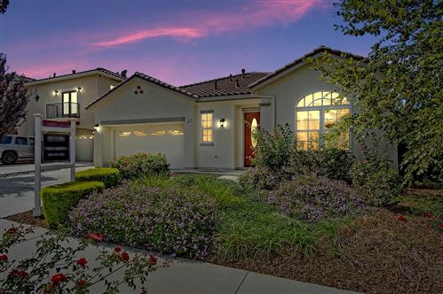 Photo of 1220 Black Forest Drive, HOLLISTER, CA 95023 (MLS # ML81864272)