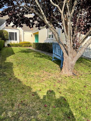 Photo of 27 Pinehurst Lane, HALF MOON BAY, CA 94019 (MLS # ML81864274)