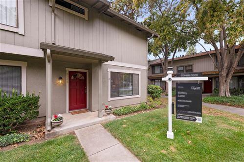 Photo of 4946 Flat Rock Circle, SAN JOSE, CA 95136 (MLS # ML81867276)