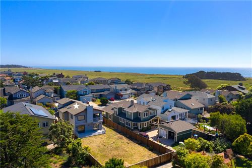 Photo of 225 Valdez AVE, HALF MOON BAY, CA 94019 (MLS # ML81794285)