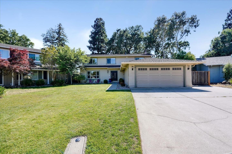 Photo for 515 Las Coches Court, MORGAN HILL, CA 95037 (MLS # ML81847287)