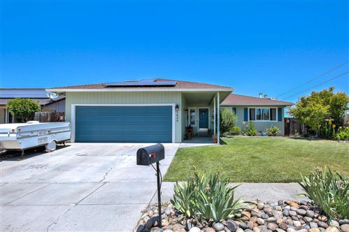 Photo of 1680 Sunset DR, HOLLISTER, CA 95023 (MLS # ML81775290)