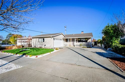 Photo of 2410 Le Bain DR, SAN JOSE, CA 95130 (MLS # ML81830290)