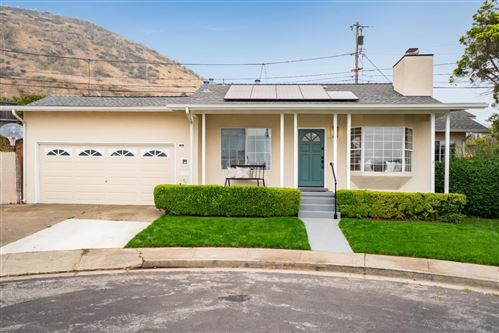 Photo of 15 Iris CT, SOUTH SAN FRANCISCO, CA 94080 (MLS # ML81810294)