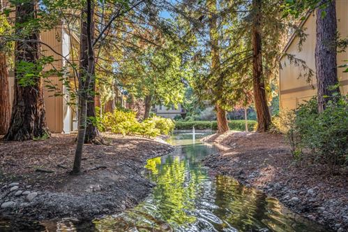 Photo of 505 Cypress Point Drive #82, MOUNTAIN VIEW, CA 94043 (MLS # ML81863299)