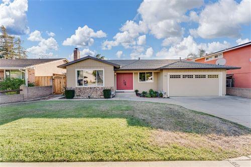 Photo of 5315 Hounds Estate, SAN JOSE, CA 95135 (MLS # ML81852300)