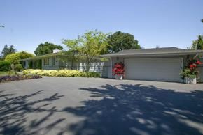 Photo of 1810 Forest View AVE, HILLSBOROUGH, CA 94010 (MLS # ML81805302)