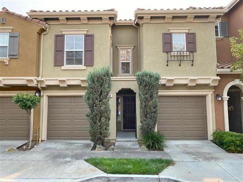 Photo of 392 Mullinix WAY, SAN JOSE, CA 95136 (MLS # ML81809302)