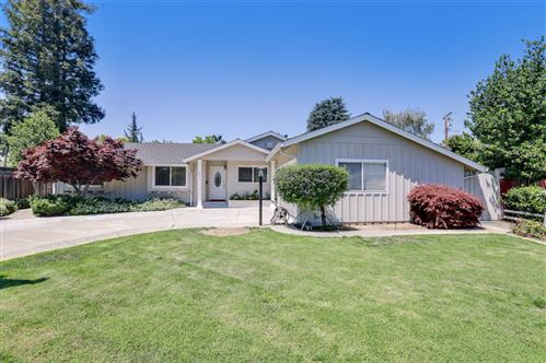 Photo of 1451 Picadilly Place, CAMPBELL, CA 95008 (MLS # ML81844304)