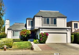 Photo of 256 Shearwater ISLE, FOSTER CITY, CA 94404 (MLS # ML81769306)