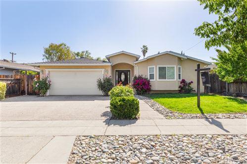 Photo of 6334 Lillian Way, SAN JOSE, CA 95120 (MLS # ML81840306)