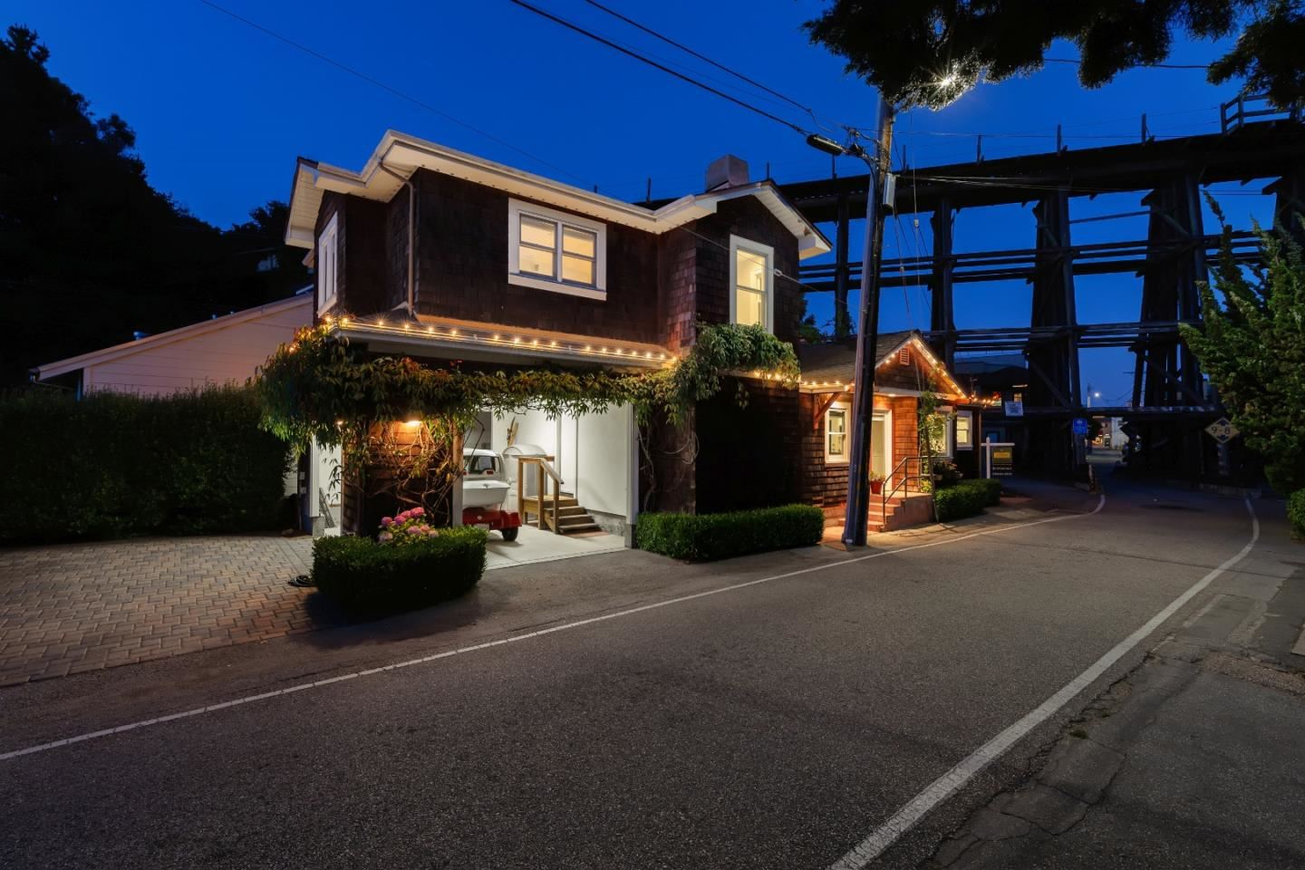 402 Riverview AVE, Capitola, CA 95010 - #: ML81801315
