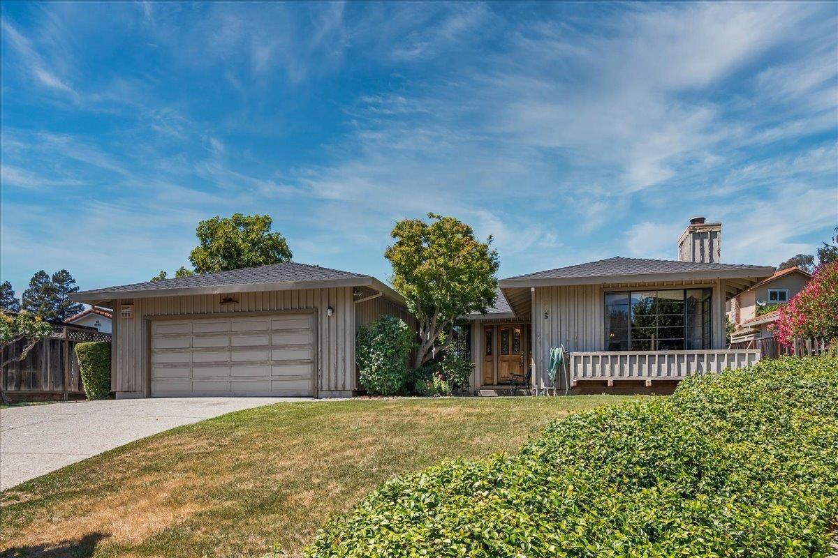 Photo for 2725 Cerro Vista Court, MORGAN HILL, CA 95037 (MLS # ML81852321)
