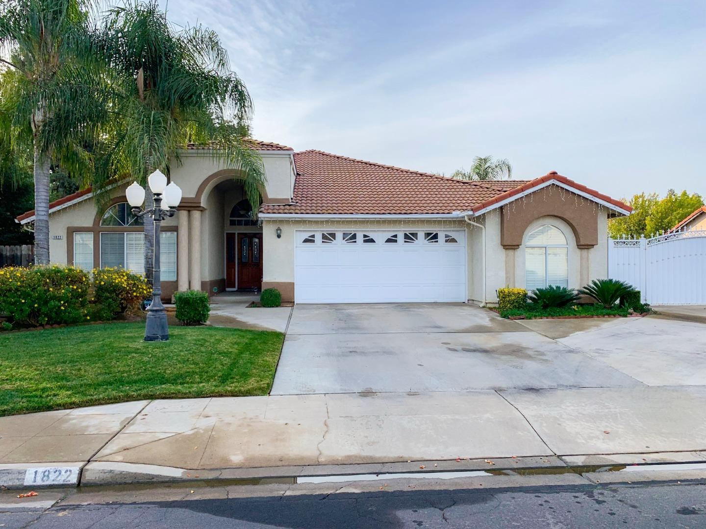 Photo for 1822 Morris AVE, CLOVIS, CA 93611 (MLS # ML81776322)