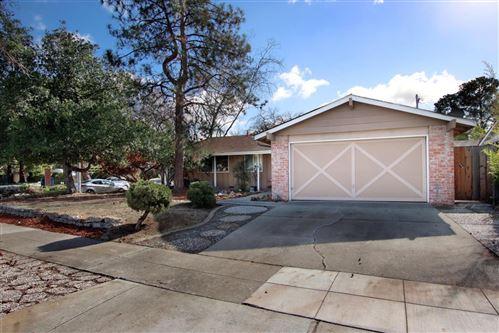 Photo of 944 Rosette CT, SUNNYVALE, CA 94086 (MLS # ML81824325)