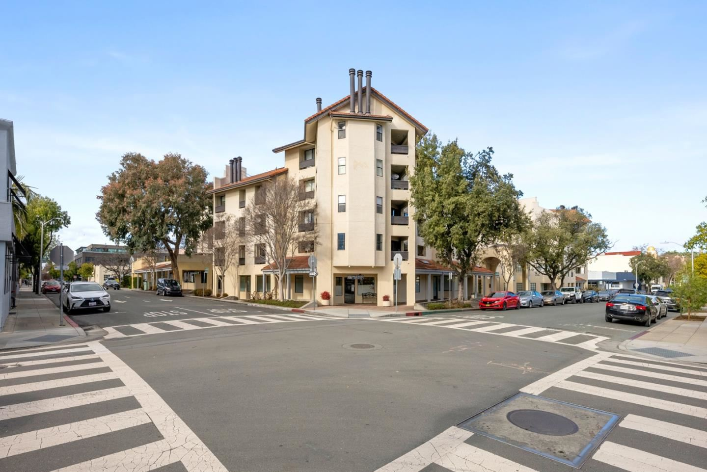 Photo for 165 Forest AVE 2A #2A, PALO ALTO, CA 94301 (MLS # ML81829325)