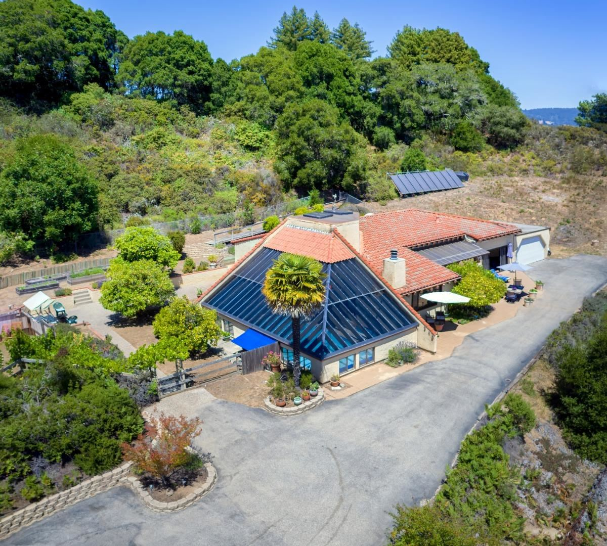 340 Enos LN, Watsonville, CA 95076 - #: ML81800330
