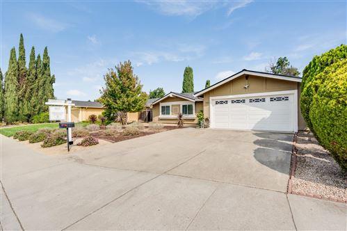 Photo of 5850 Hillview AVE, SAN JOSE, CA 95123 (MLS # ML81811338)