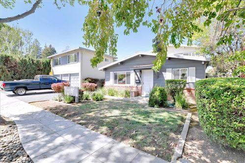 Photo of 582-586 Mariposa Avenue, MOUNTAIN VIEW, CA 94041 (MLS # ML81853349)