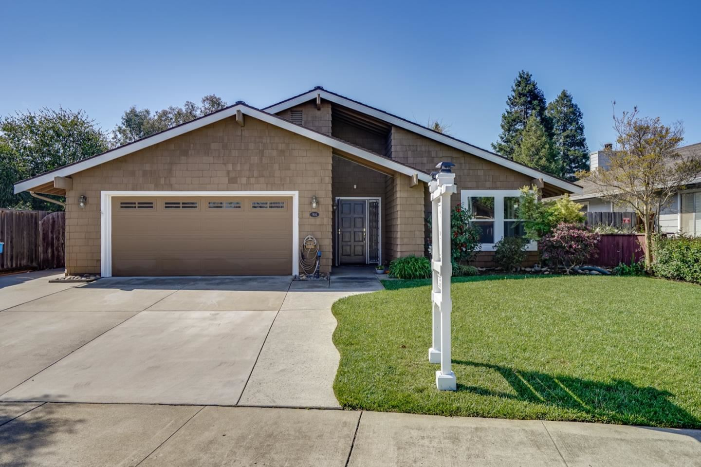 Photo for 916 Howard AVE, GILROY, CA 95020 (MLS # ML81834350)