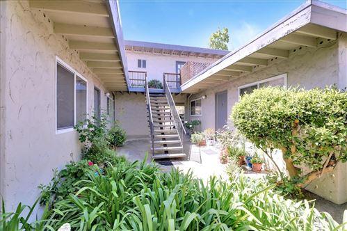 Photo of 1622 Latham Street, MOUNTAIN VIEW, CA 94041 (MLS # ML81853351)