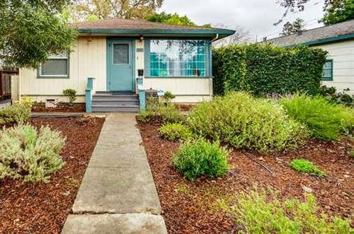 Photo of 711 Roosevelt AVE, REDWOOD CITY, CA 94061 (MLS # ML81777356)
