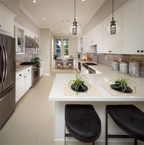 Photo of 325 Scarlett Terrace, MOUNTAIN VIEW, CA 94043 (MLS # ML81849359)