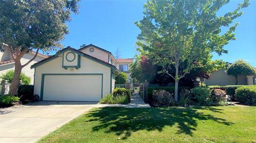 Photo of 1150 Ridgemont Drive, MILPITAS, CA 95035 (MLS # ML81843364)