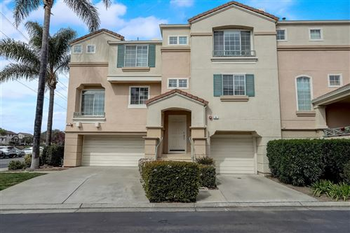 Photo of 385 Montecito WAY, MILPITAS, CA 95035 (MLS # ML81786366)