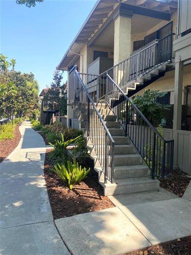 Photo of 25 Kenbrook CIR, SAN JOSE, CA 95111 (MLS # ML81811386)