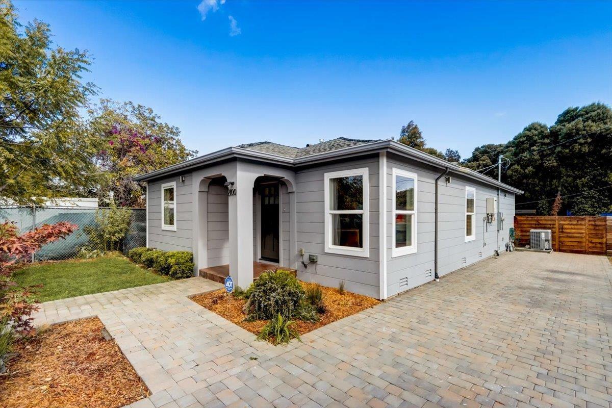 2100 Lincoln Street, East Palo Alto, CA 94303 - #: ML81867390