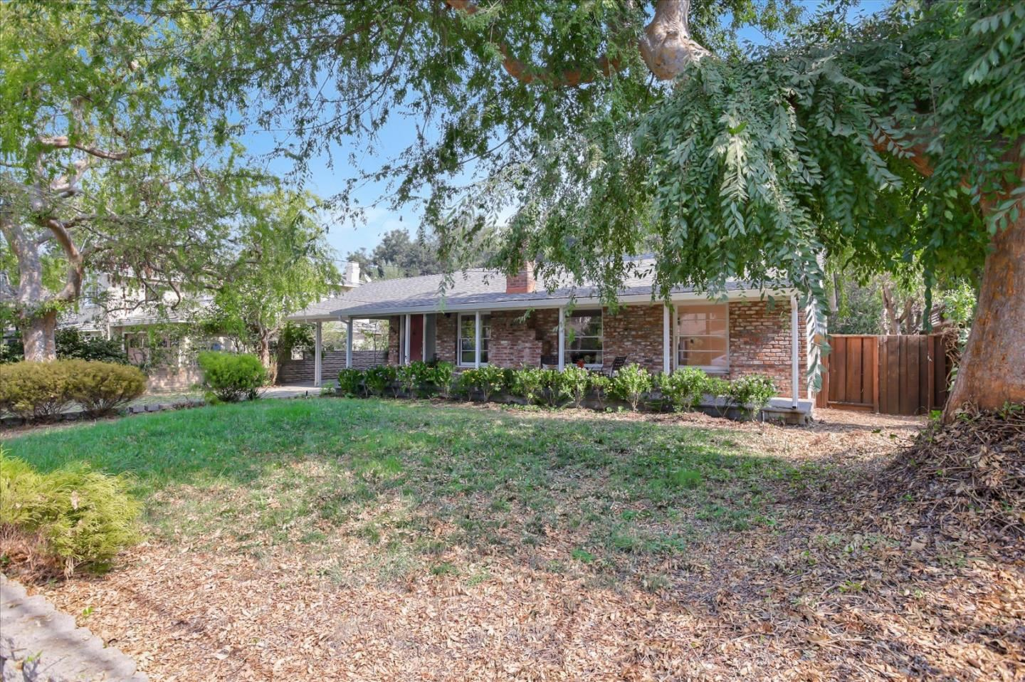Photo for 929 Russell AVE, LOS ALTOS, CA 94024 (MLS # ML81814391)